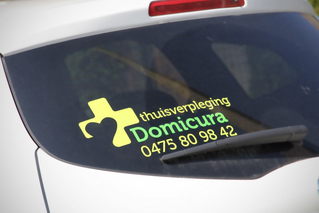 Domicura car branding